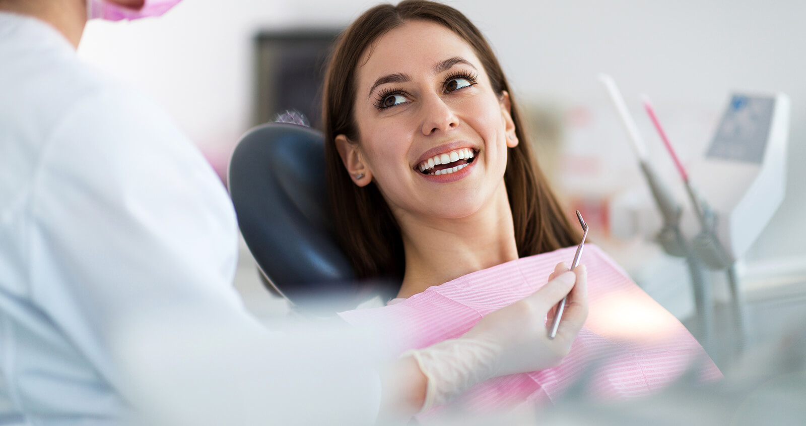 Cosmetic dentist in Overland Park offers comprehensive dental care for patients